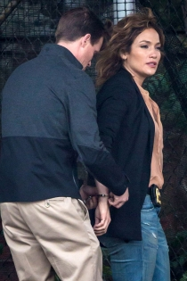 Shades of Blue: Jennifer Lopez agente arrestada
