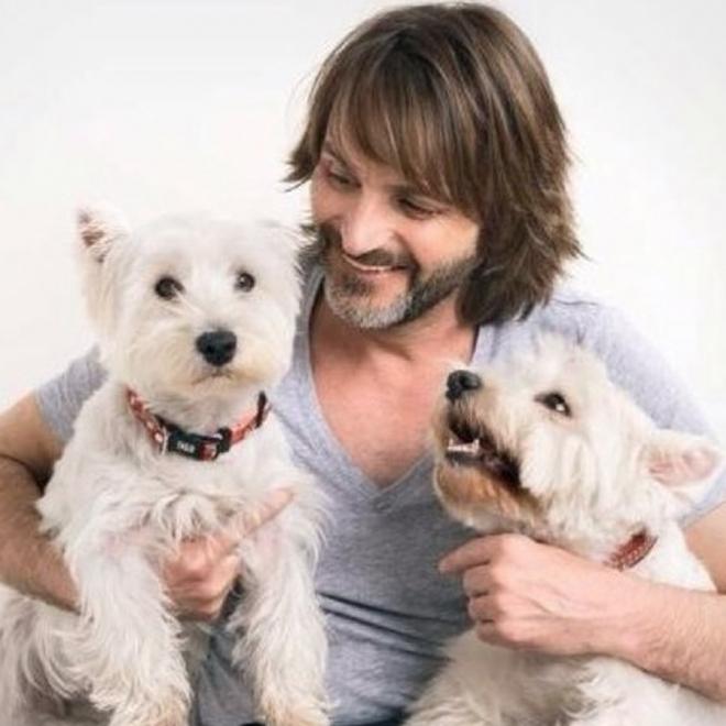 Fernando Tejero es un fiel defensor de los perros en las redes sociales