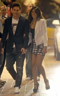 Antonella y Messi, disfrutando de la noche de Barcelona