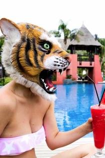 Posado de verano: Blanca Suárez, todo un tigre