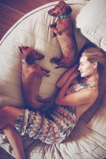 Perros de famosos: los perros de Rosie Huntington Whiteley