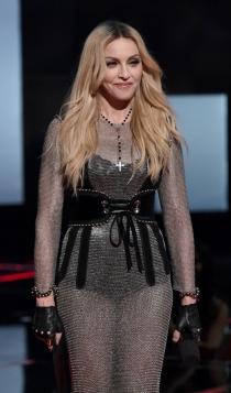 Madonna es la reina de los toy boys