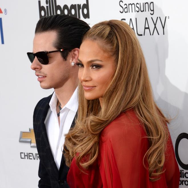 Jennifer Lopez también los prefiere jóvenes como Casper Smart
