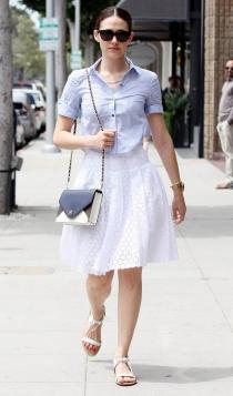 Faldas blancas: la mejor opción de las famosas
