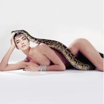 Irina Shayk, la reina de las serpientes