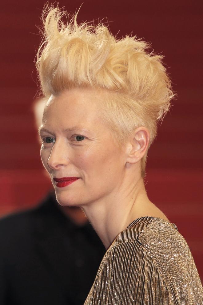 Peinados famosas: Tilda Swinton, a lo Algo pasa con Mary