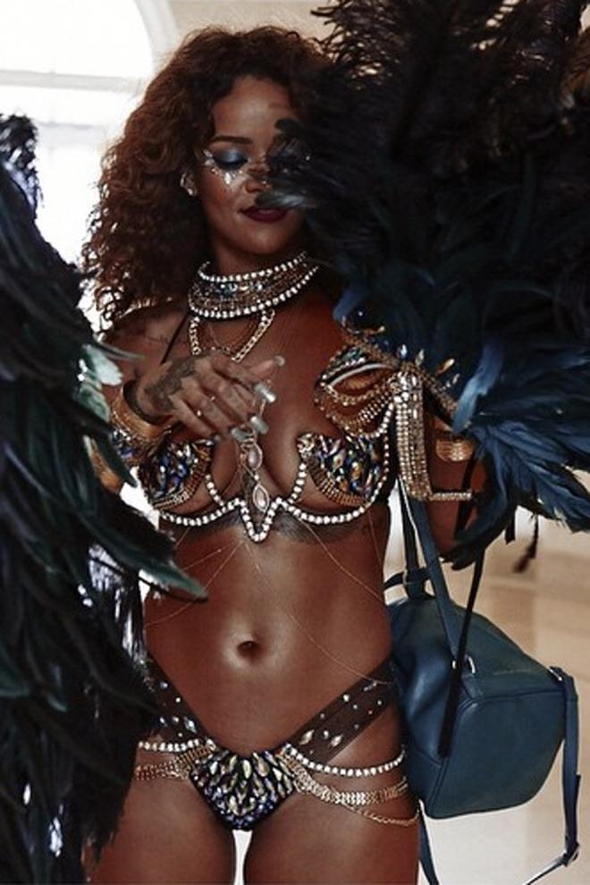Posados de verano: Rihanna, hot en Barbados