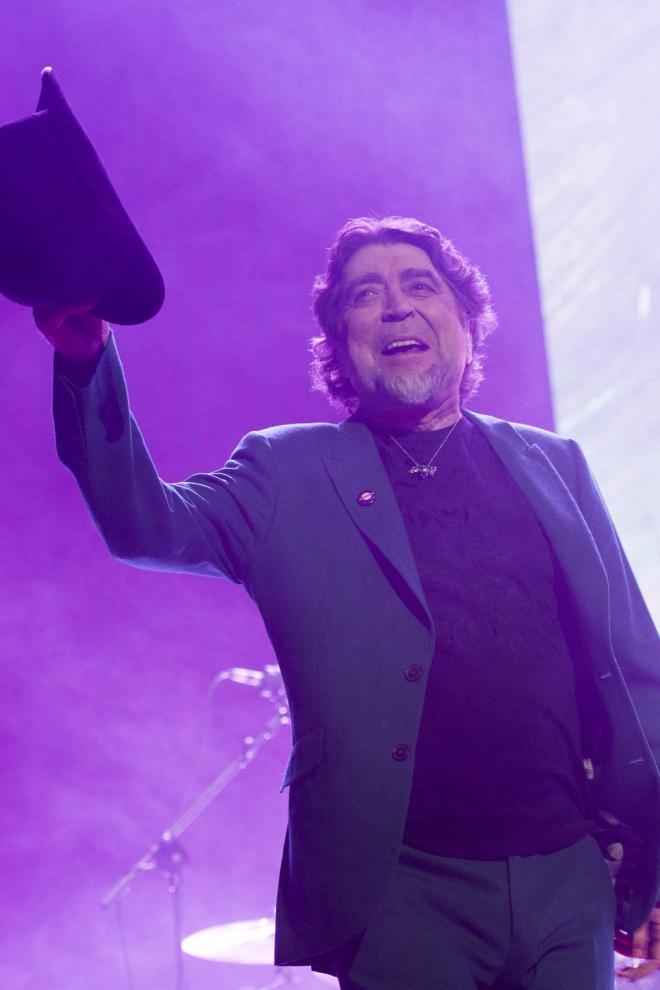 Accidentes en conciertos: Joaquín Sabina se marca un Pastora