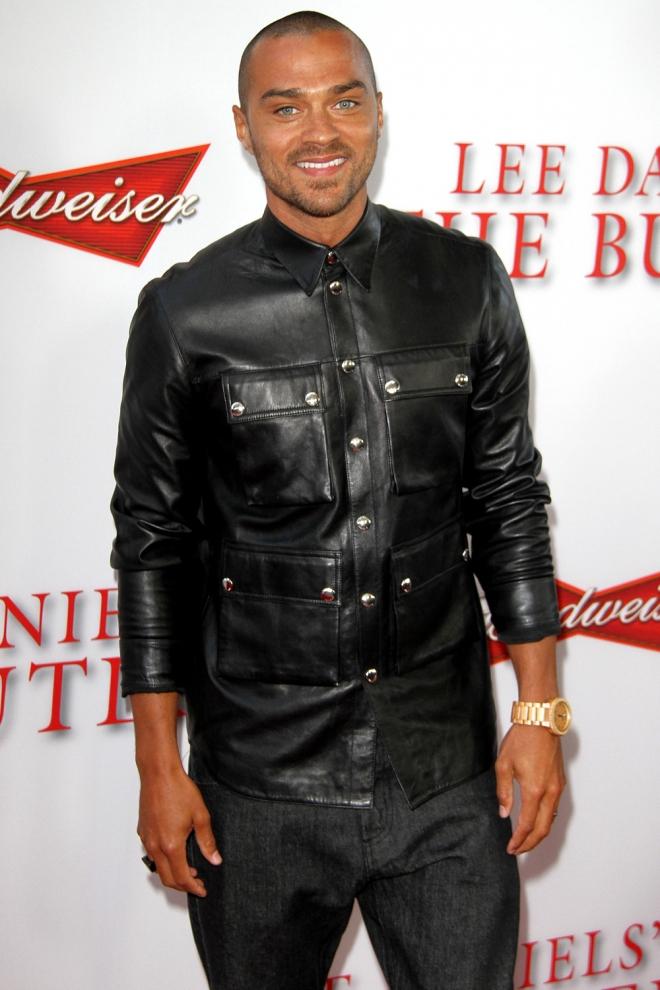 Jesse Williams, total black
