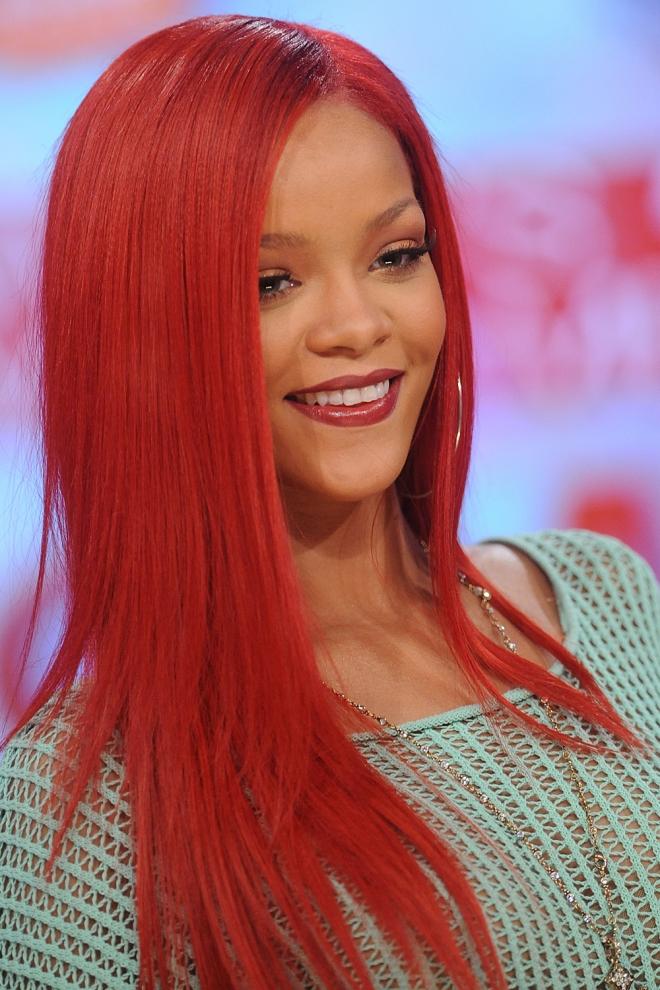 Pelo de colores: Rihanna, rojo Sirenita