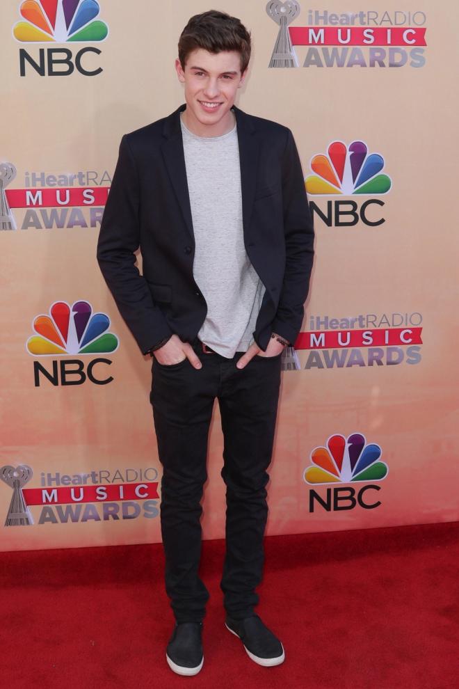 Shawn Mendes, muy guapo