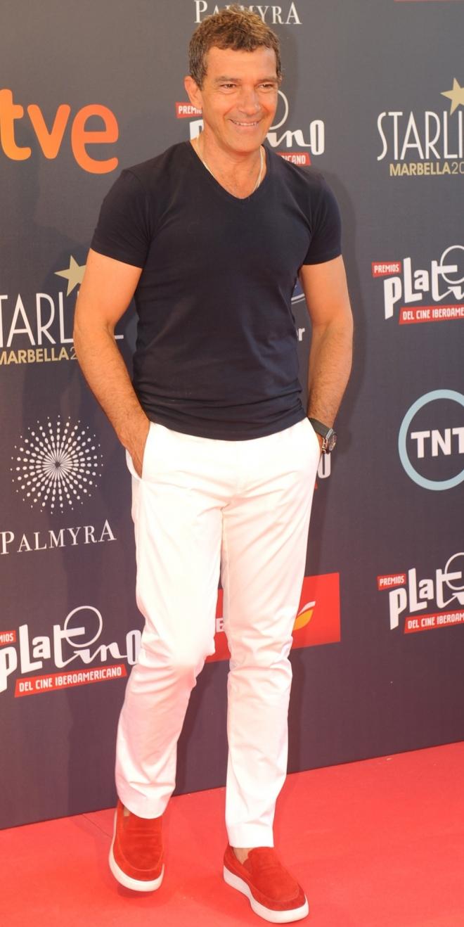 El look de Antonio Banderas, todo un dandy español