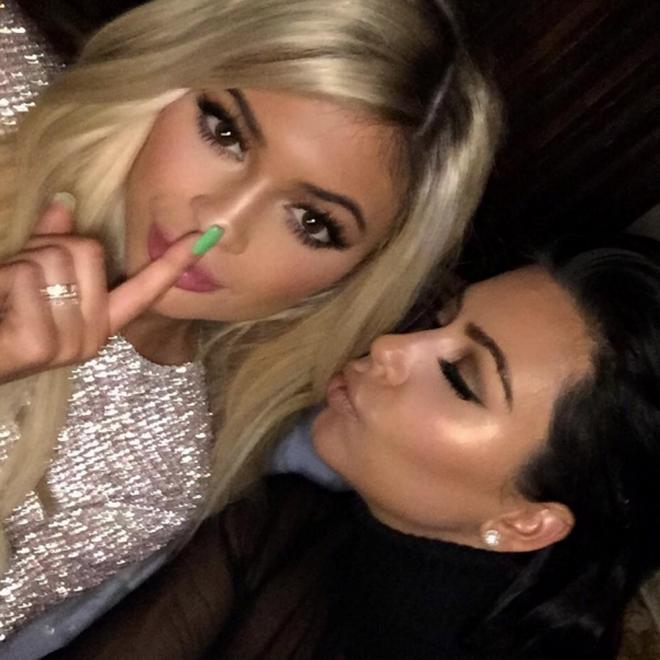 Kylie Jenner, junto a Kim Kardashian en Instagram