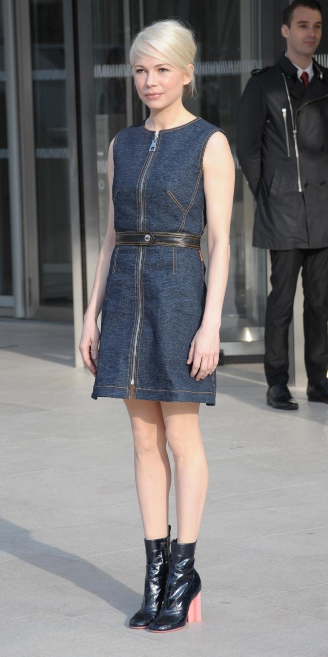 Vestidos denim: la opción de Michelle Williams