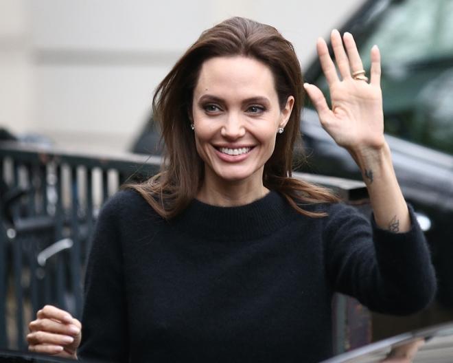 Famosos zurdos: Angelina Jolie