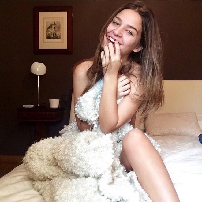 Laura Escanes, sexy y provocativa en Instagram