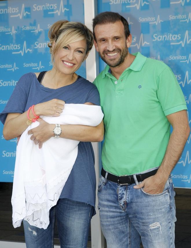 Luján Argüelles posó cuando dio a luz a su hija Miranda