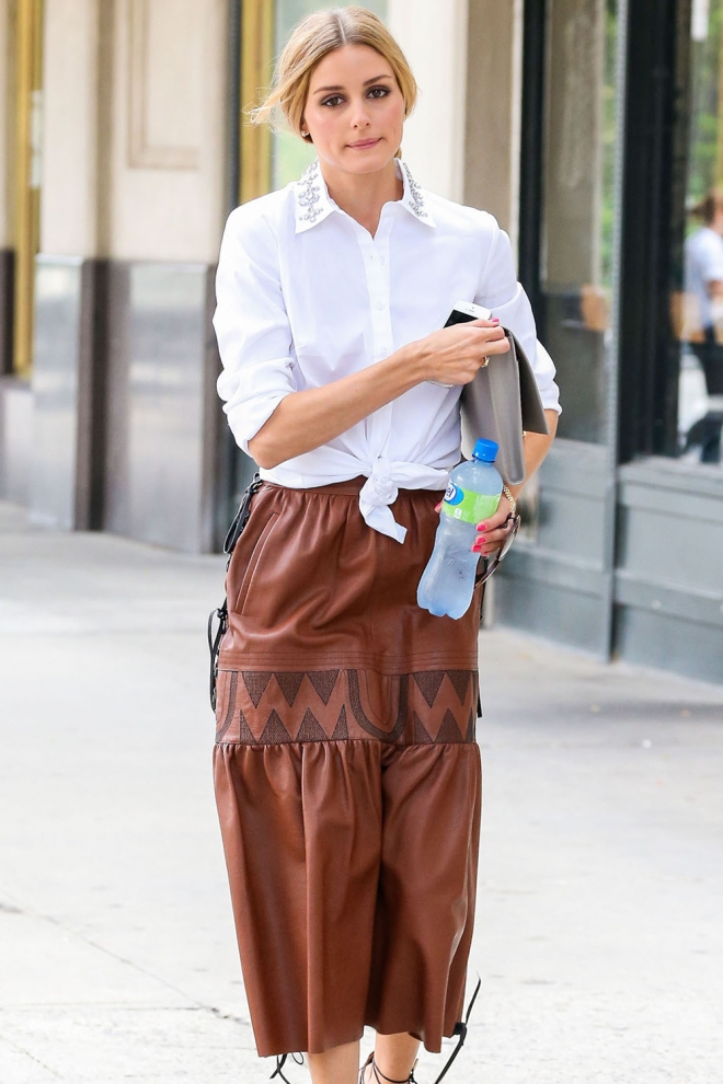 Olivia Palermo, perfecta con falda de cuero