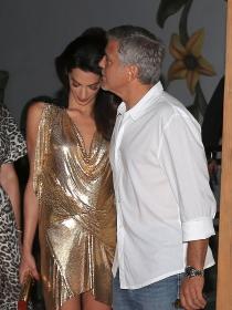 Clooney, siempre pendiente de Amal Alamuddin