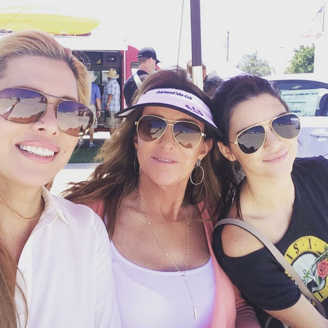 Candis Cayne, junto a Caitlyn y Kendall Jenner
