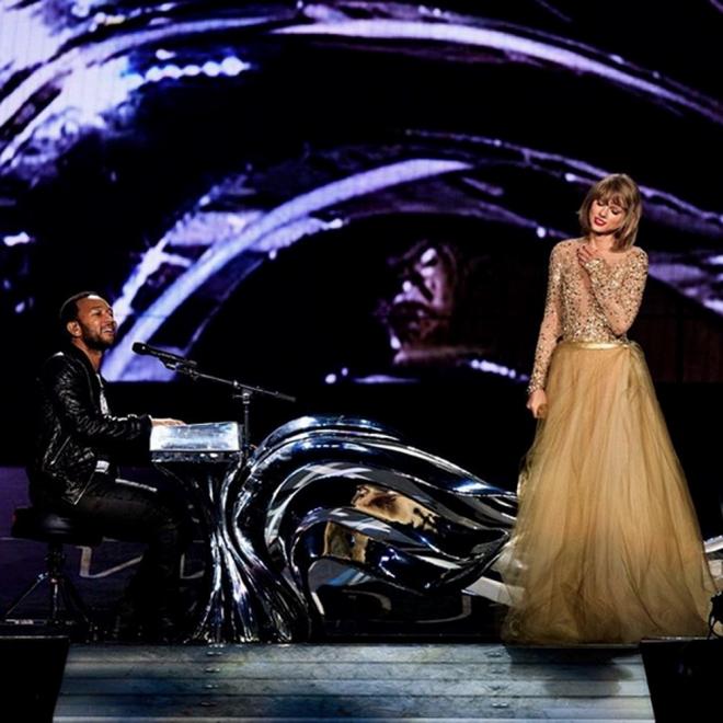 Taylor Swift, a dúo con John Legend