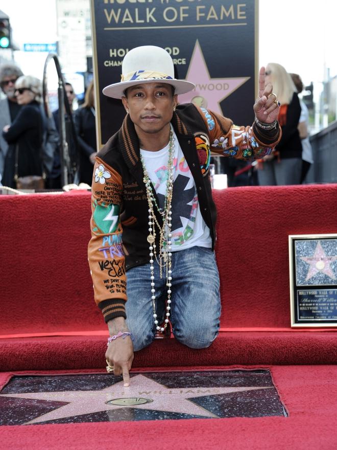 Pharrell Williams y su estrella en el Paseo de la Fama