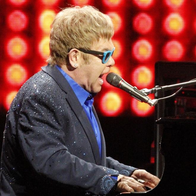 Elton John y su marido, padres por gestación subrogada