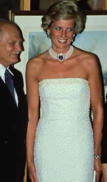 Vestidos blancos: la apuesta sexy de Lady Di
