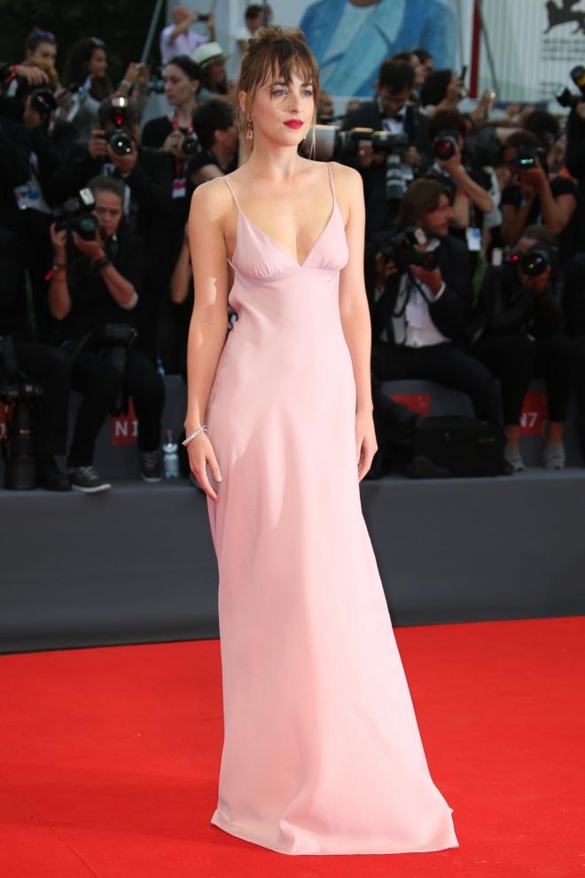 Festival de Cine de Venecia 2015: Dakota Johnson, muy dulce ...