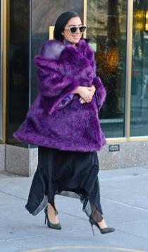 Lady Gaga, con un look a lo Sara Montiel