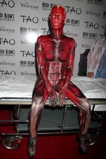 Especial Halloween: Heidi Klum, escalofriante disfraz