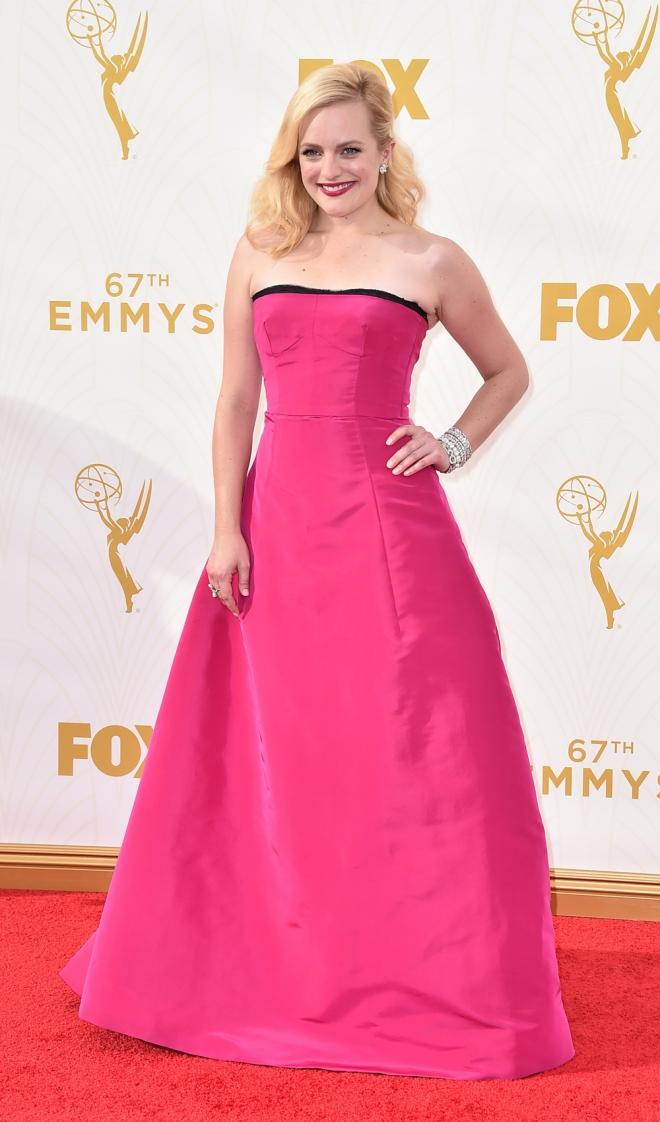 Emmys 2015: Elisabeth Moss, diva de fresa