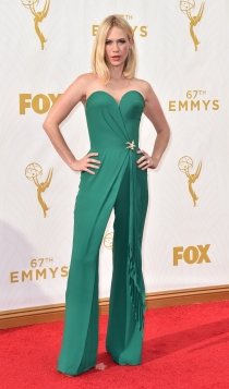 Emmys 2015: el mono esmeralda de January Jones