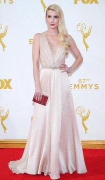 Emmys 2015: Emma Roberts, un look romántico