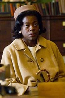 Viola Davis, La duda