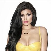 Los labios de Kylie Jenner tuvieron vida propia para Terry Richardson