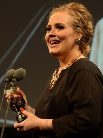 Curiosidades de Adele: su padre le abandonó de pequeña