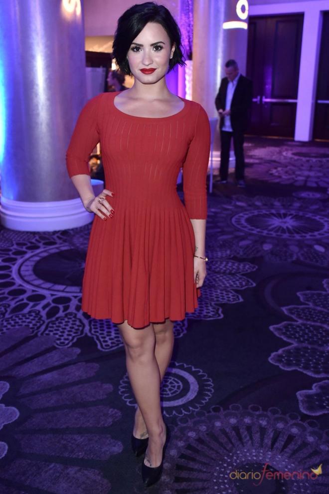 Vestidos para la cena de empresa: el rojo de Demi Lovato - 10 ...