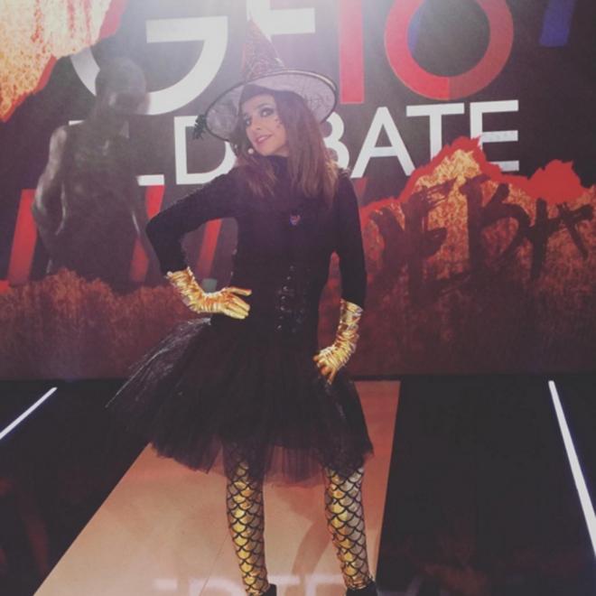 Carmen Alcayde, una brujita sexy en Halloween