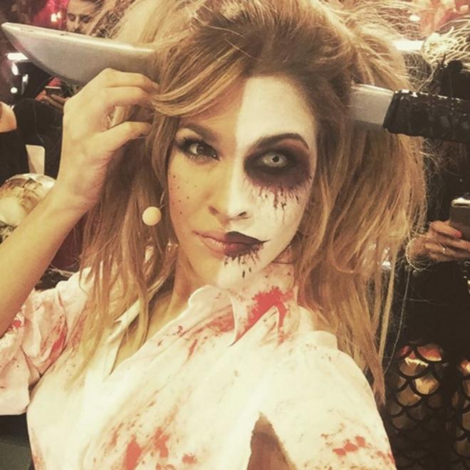 Ylenia, la colegiala más sexy de Halloween