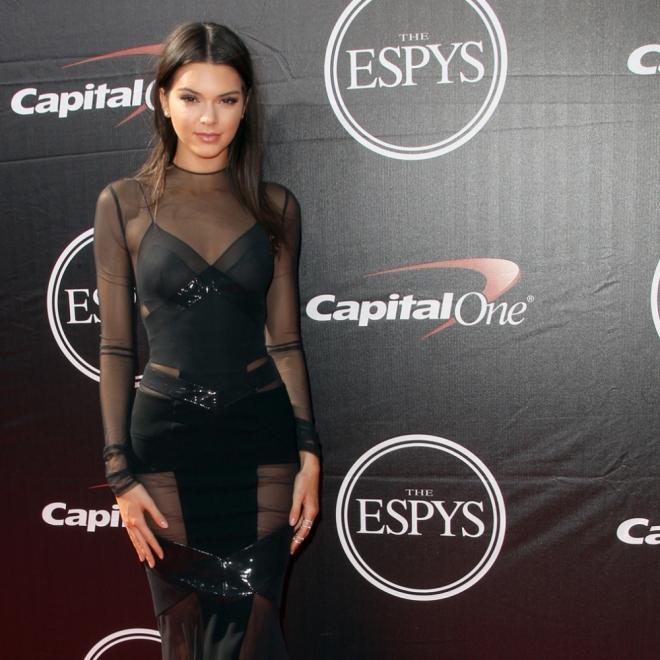 Kendall Jenner no es una Kardashian en los photocalls