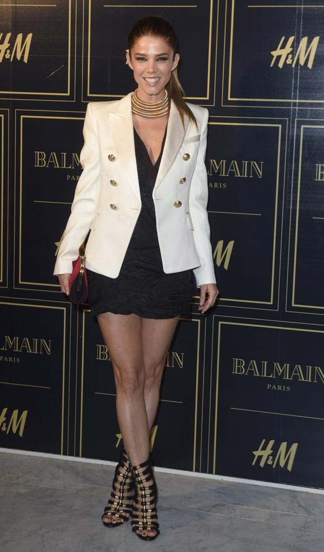 Balmain para H&M: Juana Acosta, muy sexy