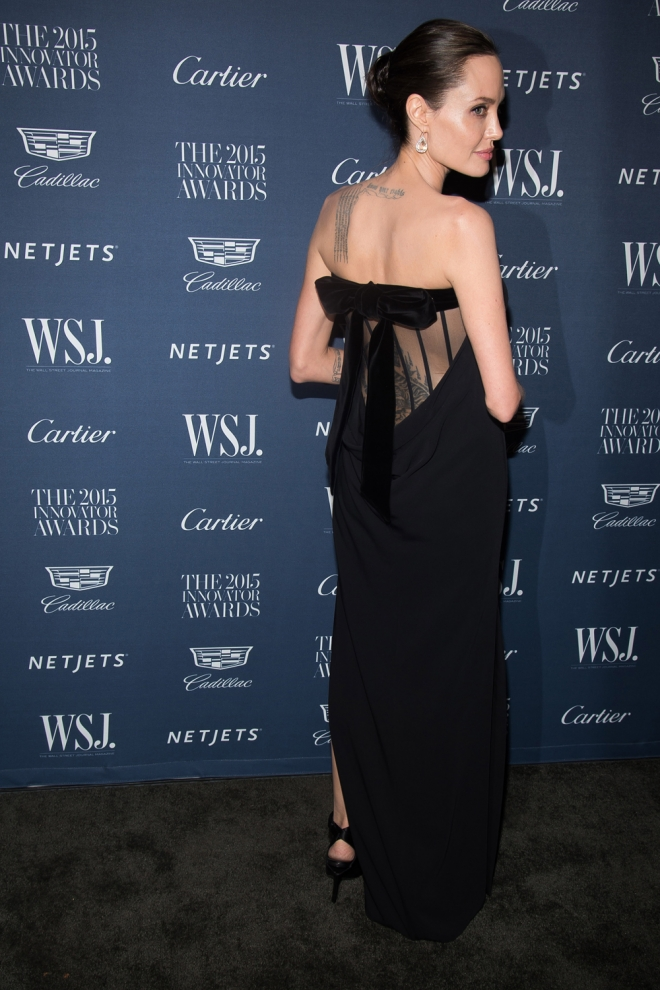 Angelina Jolie, sexy de negro