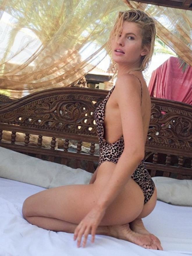 Adriana Abenia y su bañador más sexy