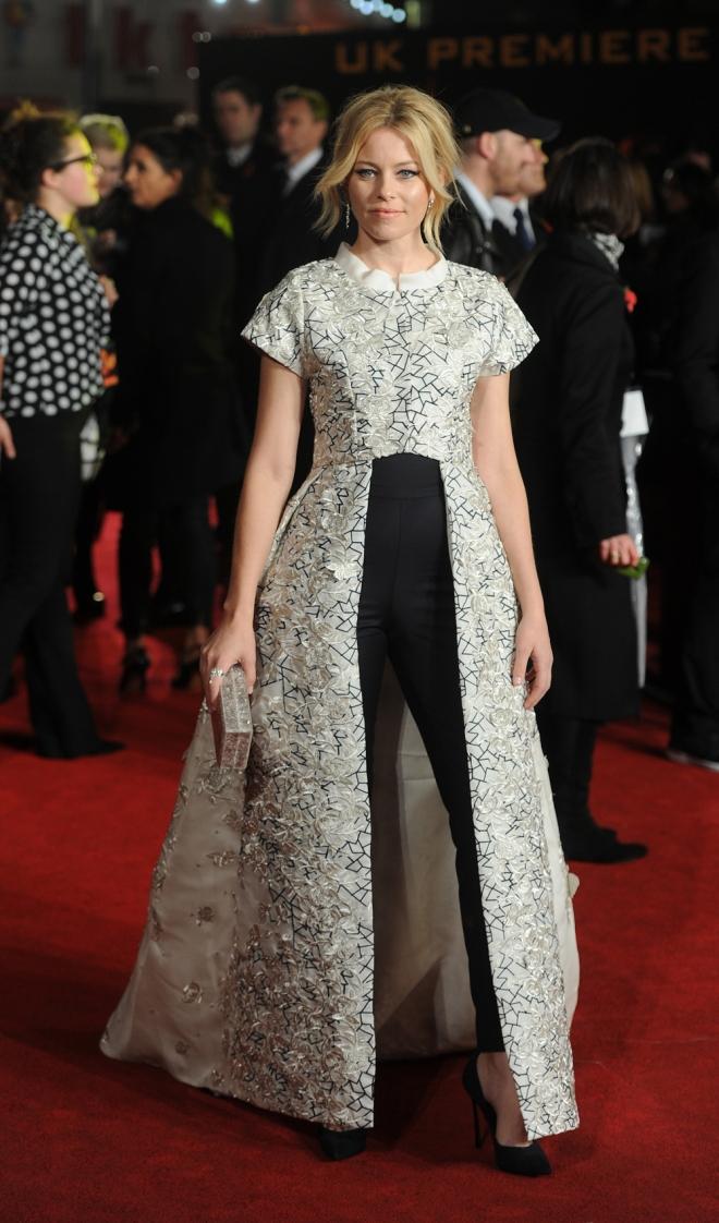 The Hunger Games: Elizabeth Banks, elegante y original