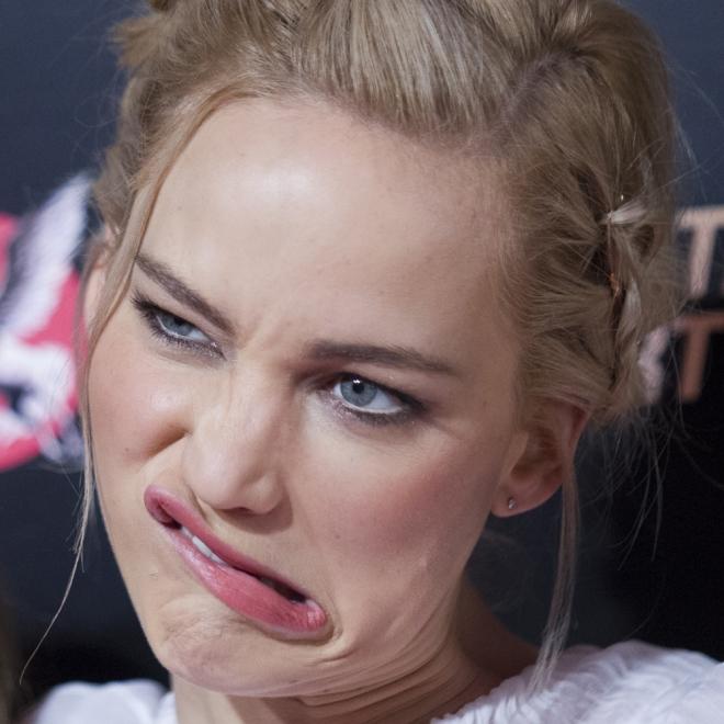 La cara más extraña de Jennifer Lawrence