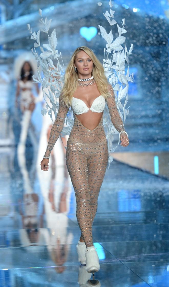 VS Fashion Show: Candice Swanepoel con otro look