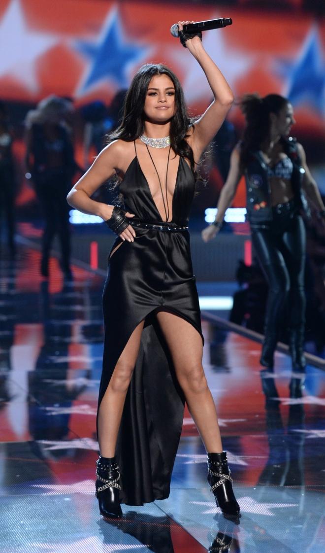 VS Fashion Show: la actuación de Selena Gomez