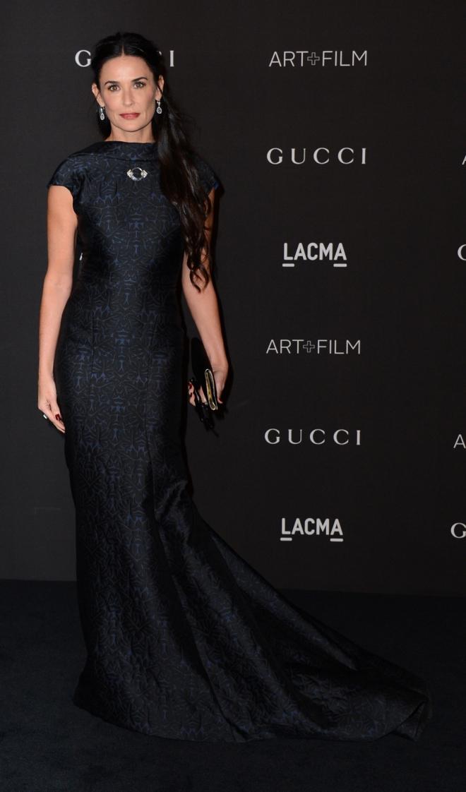 Demi Moore, elegante y estupenda