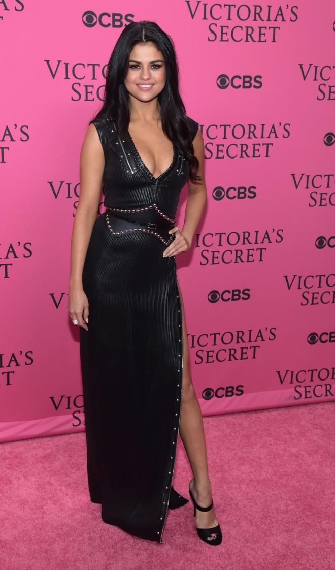 Selena Gomez, muy sexy